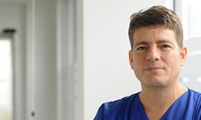 Dr. med. Raphael Hansen